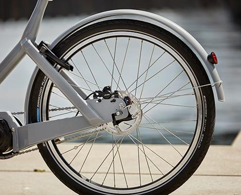 Siigar Bikes elektriske ladcykel er bygget med hydrauliske skivebremser og solide hjul der tåler de store belastninger som en ladcykel udsættes for.